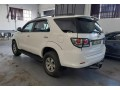 2010-toyota-fortuner-30d-4d-small-2