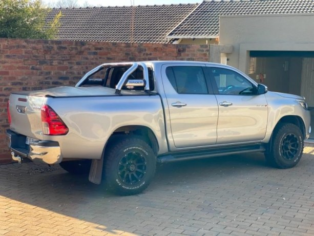 toyota-hilux-28gd-6-4x4-good-condition-with-full-service-history-and-accidents-free-big-2