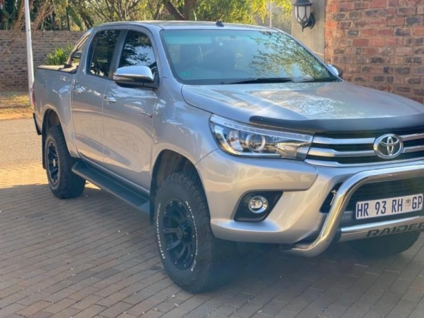 toyota-hilux-28gd-6-4x4-good-condition-with-full-service-history-and-accidents-free-big-0